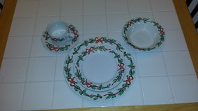 Christmas China- 10 complete settings & extras in Travis AFB, California
